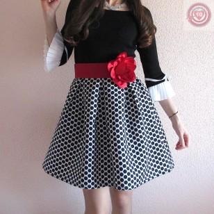 Falda topitos negros